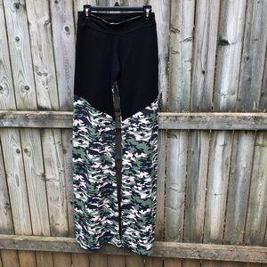 e9d1d79b05160 Margarita. Margarita Supplex green camo flare yoga pants M